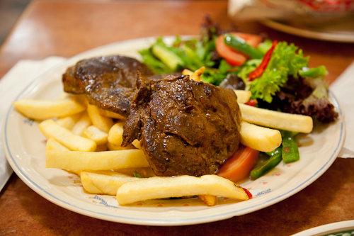 What does kangaroo taste like eating kangaroo meat in for Australian cuisine sydney